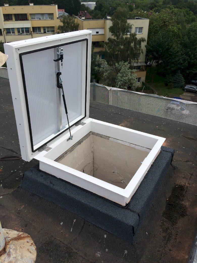 Wyłaz dachowy szklany 8