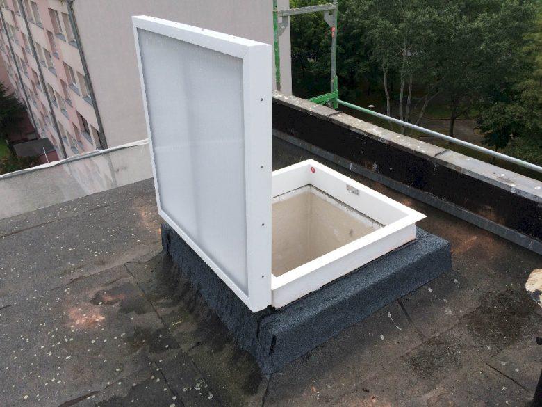 Wyłaz dachowy szklany 7